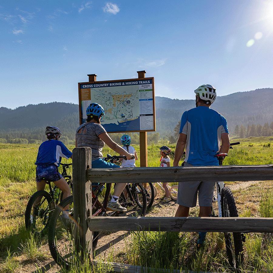 Family-Biking-Homepage-Web.png