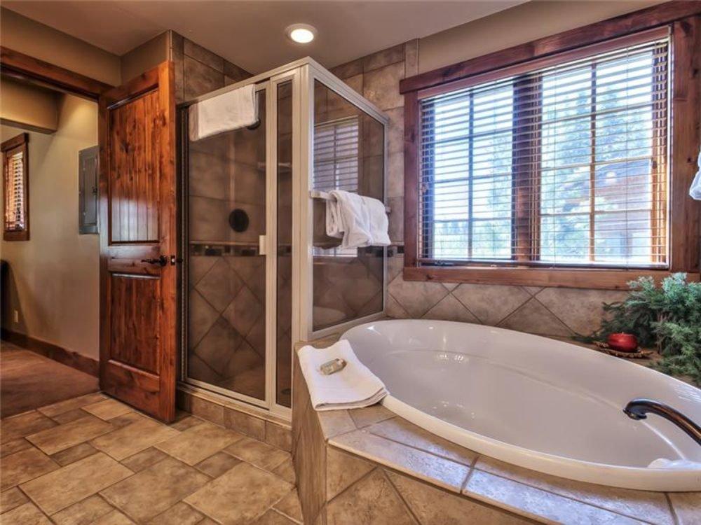 cottage_master_bathroom.jpg