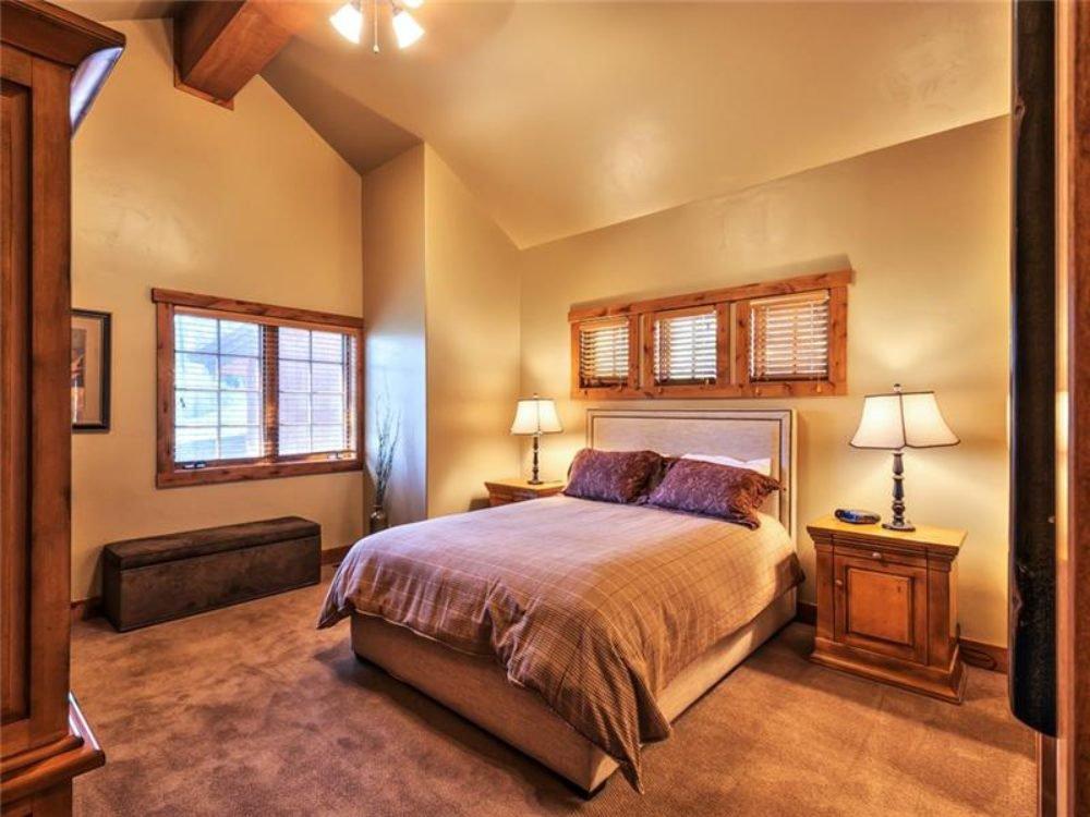 cottage_master_bedroom.jpg
