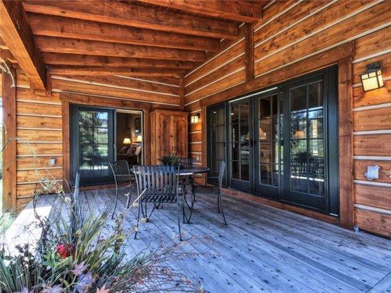 cottage_patio.jpg