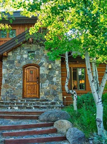 Exterior Cottage In Tamarack